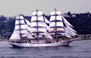 Troix mâts similaire au Tamaya