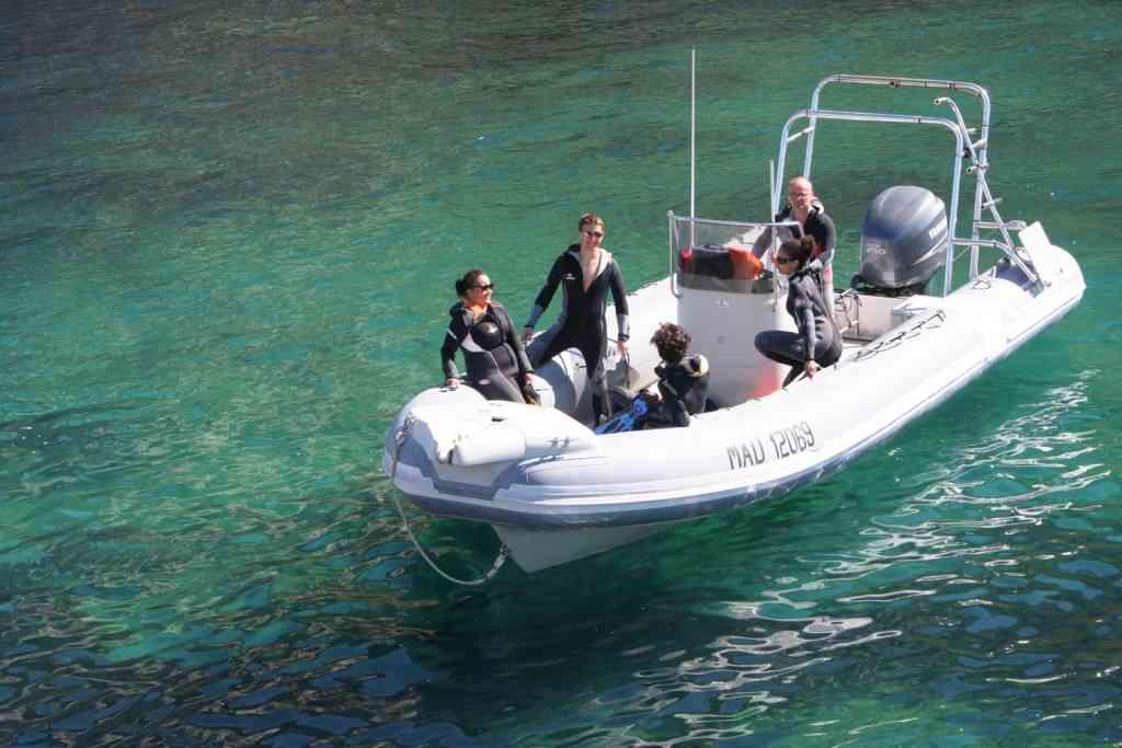 Privatisez votre bateau et moniteur de plongée à Marseille